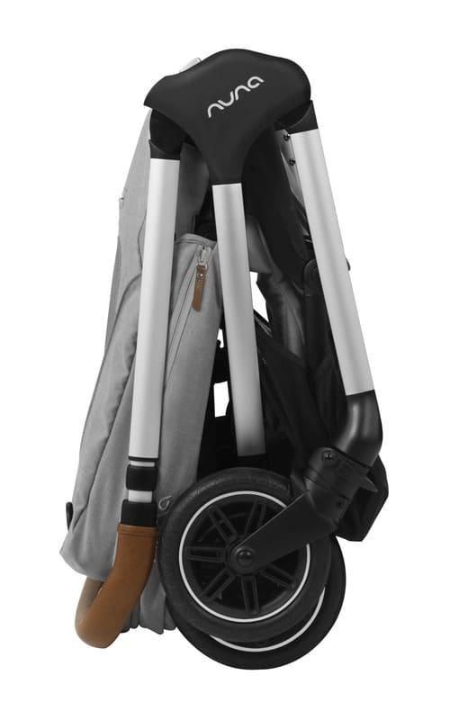 Pack poussette citadine Triv et siège-auto Pipa Next 0+ Nuna Pliée