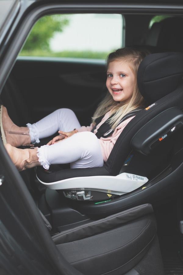 Siège-auto iZi Modular RF i-Size groupe 0+/1 Black Cab Besafe enfant