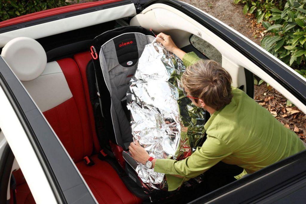Protection intégrale de siège voiture avec pare-soleil Ultra Mat Deluxe